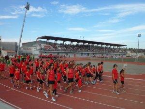 Más de mil personas asisten a la inauguración del estadio de ... 5faada8a05fc3